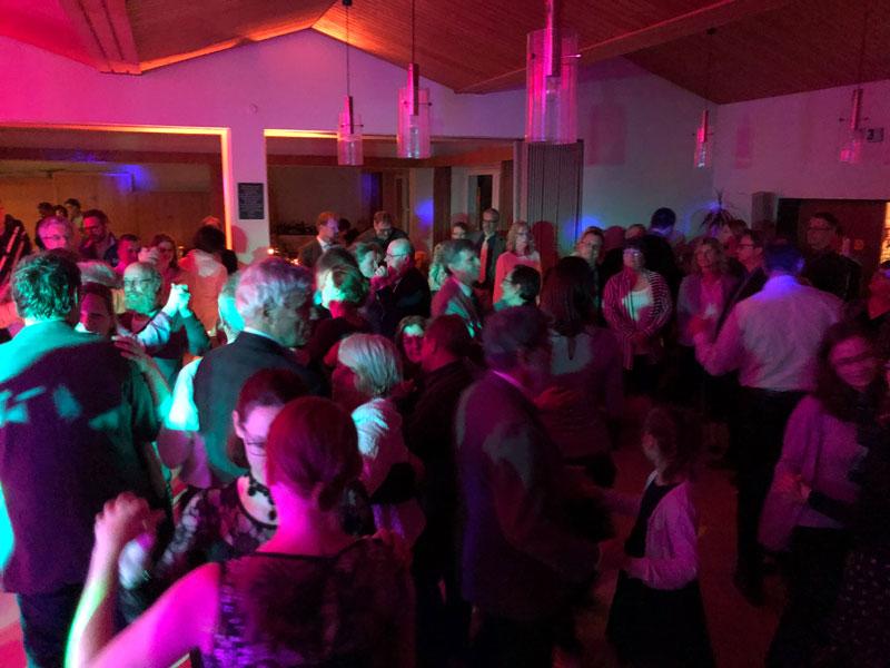 Alle sind dabei - die Tanzfläche glüht auf jedem Event.